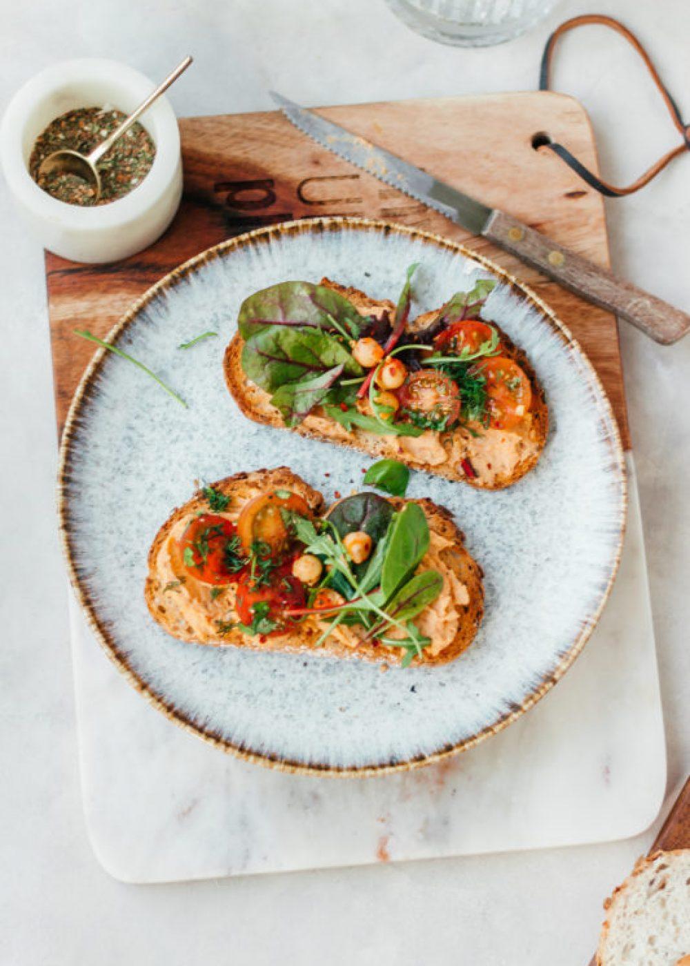 Harissa hummus toast + Boretti review