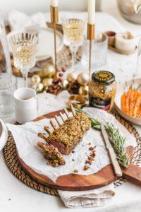 Lamskroon met mosterdkorst en winterse groenten