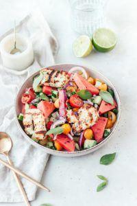 Frisse watermeloen salade met gegrilde halloumi