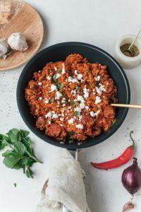 Eenpansgerecht met tomatenrijst en chorizo