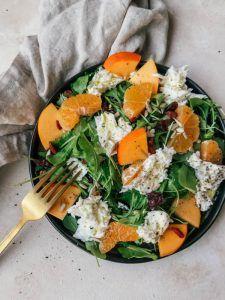 Salade met kaki en mozzarella