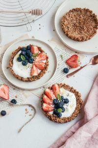 Granola taartjes met vers fruit