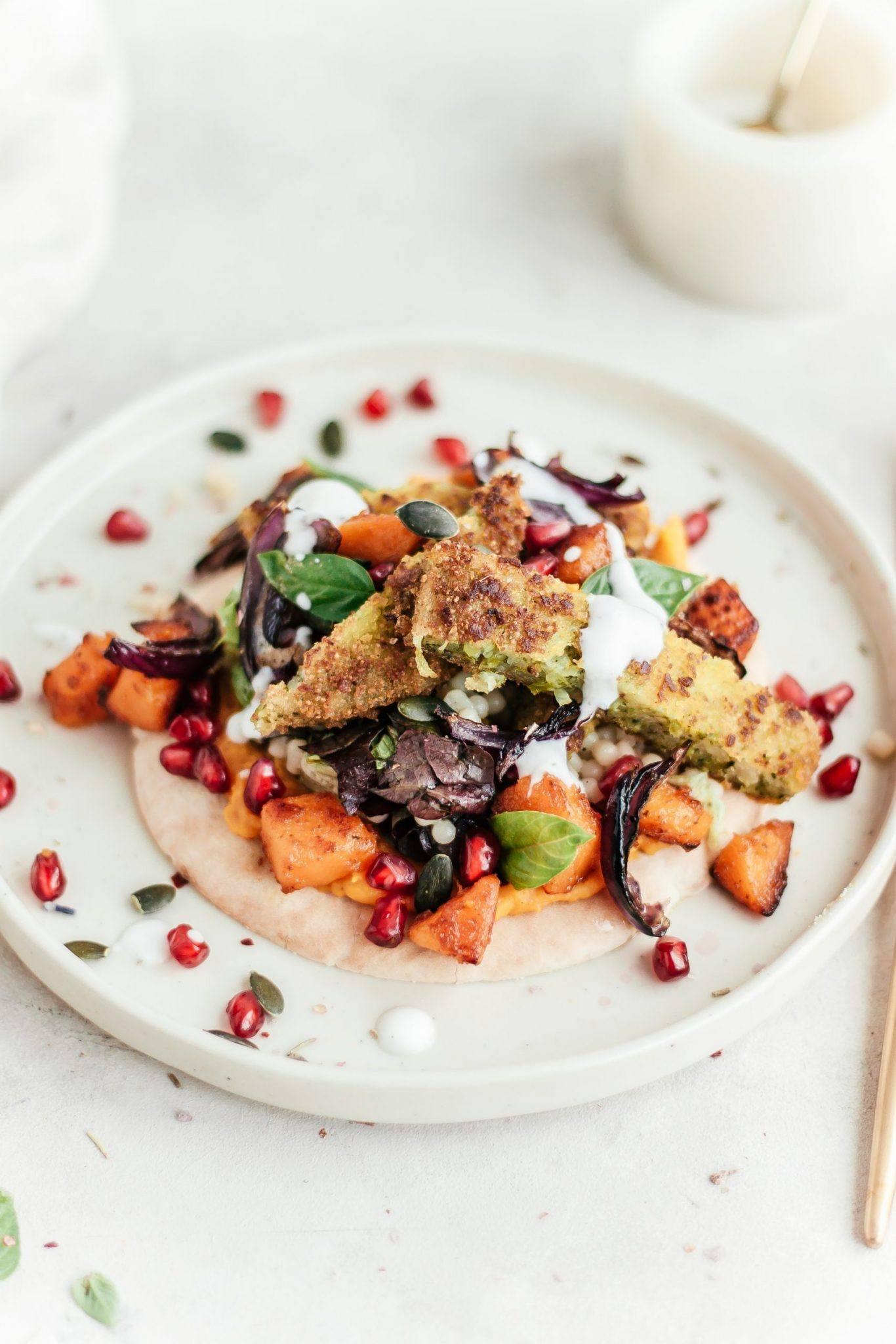 Broodje gegrilde pompoen met broccoli burger