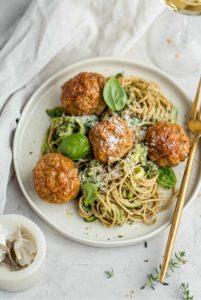 Pasta Pesto met meatballs