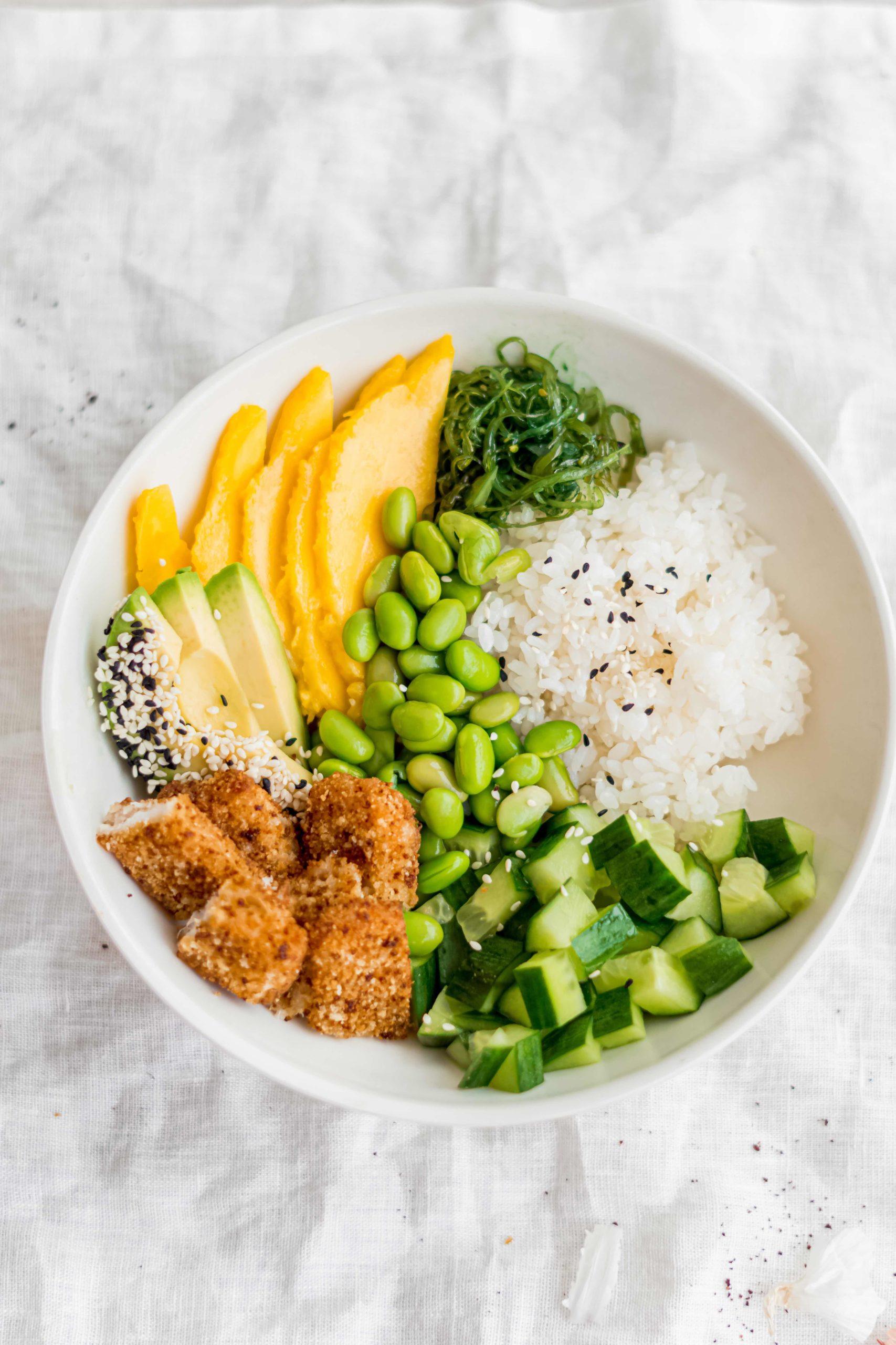Poke bowl met krokante vis